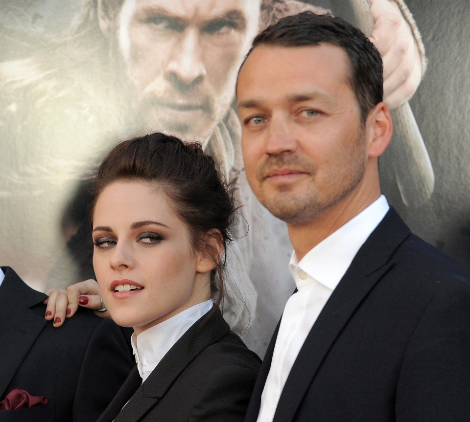 Kristen Stewart and director Rupert Sanders attending the 'Snow White and the Huntsman' screening in Los Angeles, May 29, 2012. (Jordan Strauss / Invision)