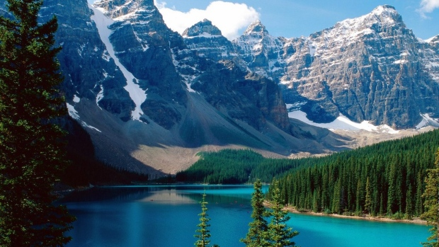 13 Canadian bucket list sights for the nature lover