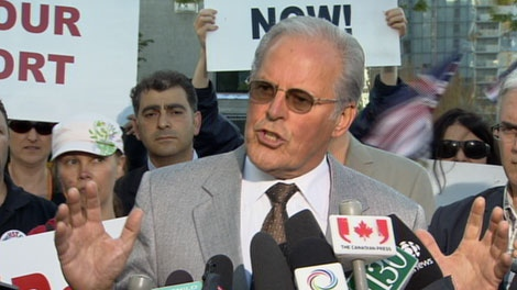 Former premier Bill Vander Zalm announces that his anti-HST petition has been validated by Elections BC. Aug. 11, 2010. (CTV)