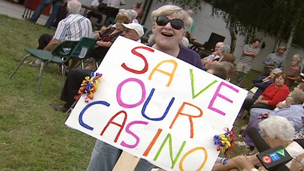 Hundreds of Ganonoque residents show support for their local casino with the threat of it moving to Kingston Thursday, August 2, 2012.