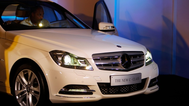 mercedes recalling c class cars over failure of rear. Black Bedroom Furniture Sets. Home Design Ideas