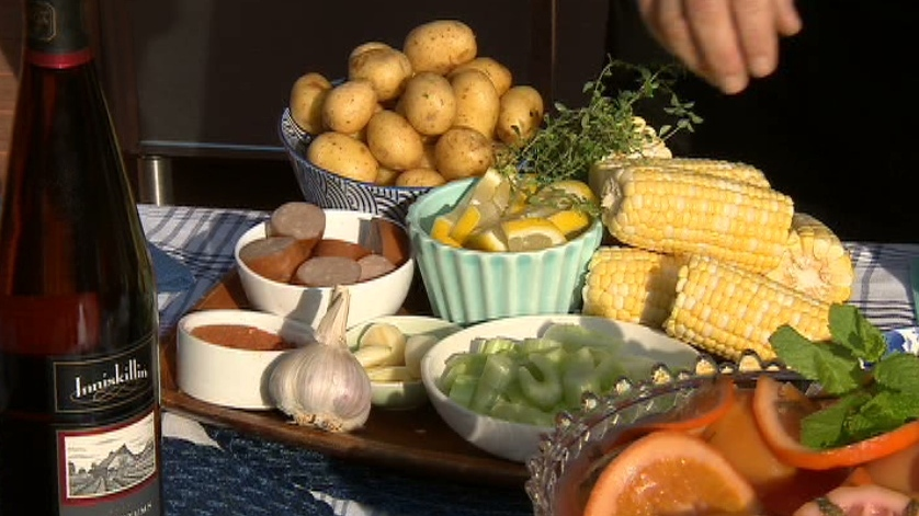 Chef Lynn Crawford created a tasty clambake on Canada AM on Aug. 15, 2012.