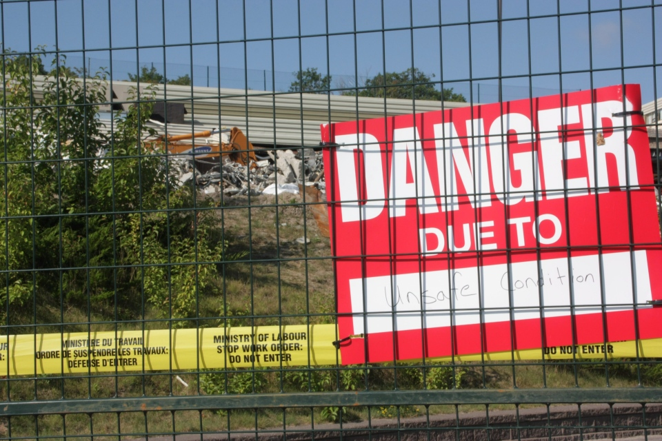 Part of the Algo Centre Mall in Elliot Lake, Ont., is seen on Tuesday, Aug. 14, 2012. The mall has been off-limits since its roof collapsed in June, killing two people. (Colin Perkel /  THE CANADIAN PRESS)