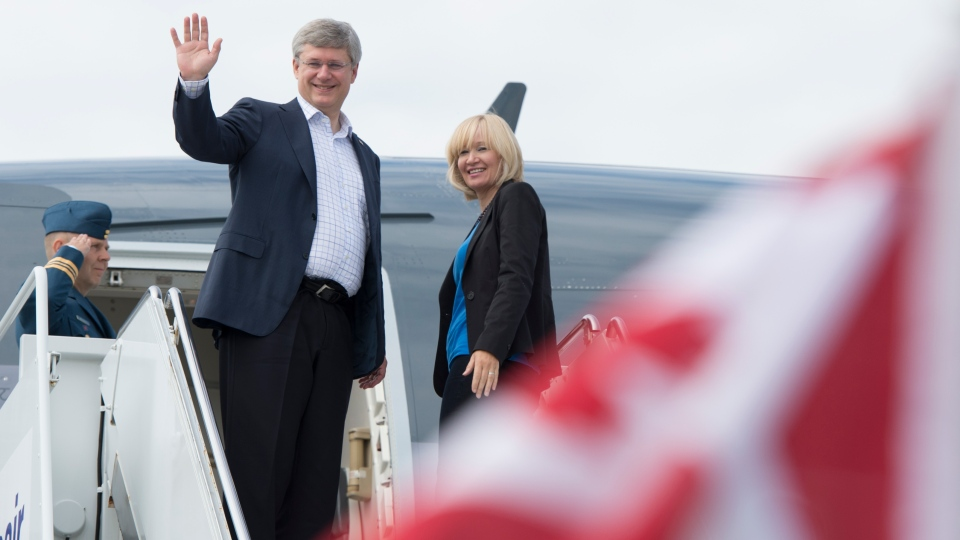 Prime Minister Stephen Harper and his wife Laureen depart for the Prime Minister's annual Northern Tour. (Jason Ransom / PMO)