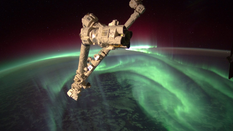 In this image provided by NASA the Expedition 32 crew onboard the International Space Station, flying an altitude of approximately 240 miles, recorded a series of images of Aurora Australis, also known as the Southern Lights, on July 15, 2012. (AP Photo/NASA, Joe Acaba)