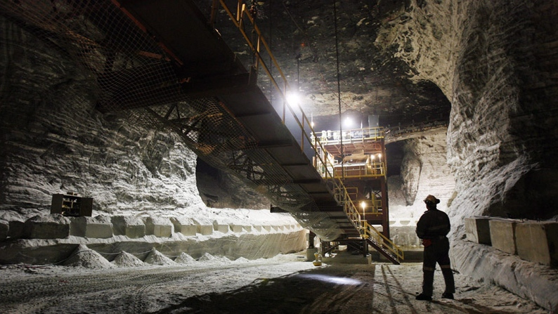About 400 workers at the sifto salt mine in goderich on for Landscaping rocks windsor ontario