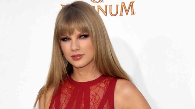 This May 20, 2012 file photo shows singer Taylor Swift at the 2012 Billboard Awards at the MGM Grand in Las Vegas, Nev. (John Shearer/AP)