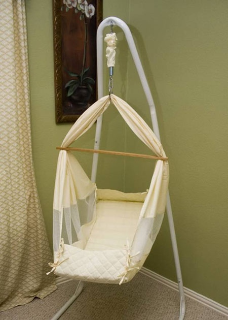 Health Canada is warning parents not to use these MommaBabyHelper hammocks for infants and young children, August 26, 2010.