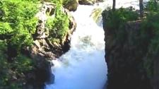 800_falls_120824