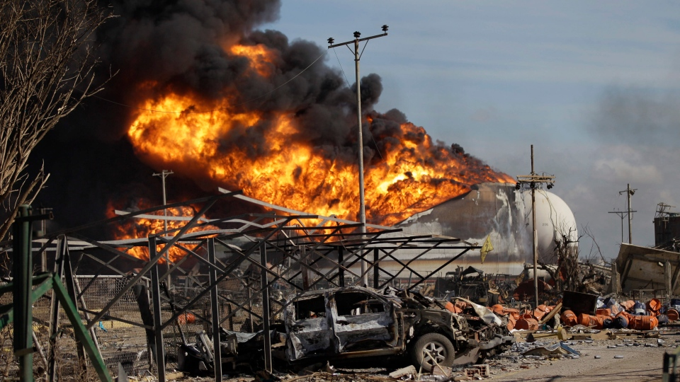 Fire spreads at Venezuela oil refinery after explosion ...