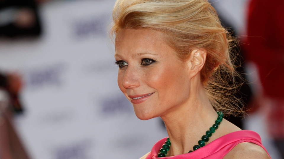 Actress Gwyneth Paltrow poses for the photographers as she arrives for the National Movie Awards at the Royal Festival Hall, in London, Wednesday, May 26, 2010. (AP / Lefteris Pitarakis)