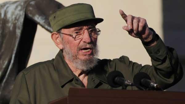 Former Cuban leader Fidel Castro delivers a speech to students outside Havana's University in Havana, Cuba, Friday, Sept. 3, 2010. (AP / Javier Galeano)