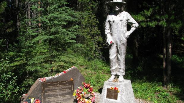 Ukrainian internment camp monument