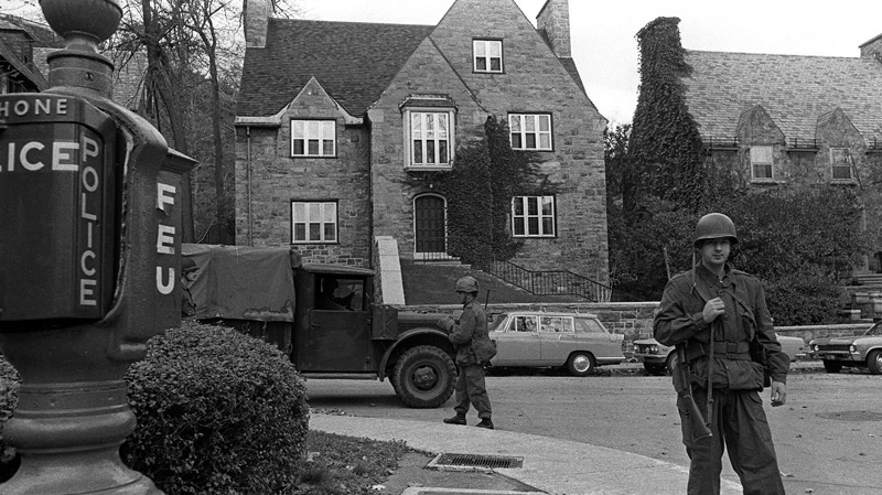 Soldiers took over guard duty at the home of British Trade Commissioner James Cross, one of the two political hostages whose kidnapping by the FLQ has brought on the use of the war emergency act measures in Canada, never before used during peace, in Montreal, Oct. 16, 1970. (THE CANADIAN PRESS)
