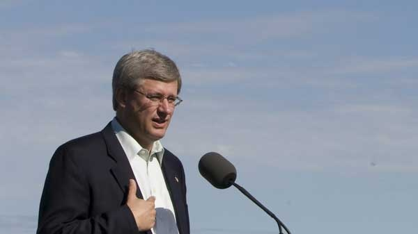 Prime Minister Stephen Harper addresses a gathering during an announcement at Nanaimo's Cruise Ship Berth in Nanaimo, B.C. Wednesday, Sept. 8, 2010. (Jonathan Hayward / THE CANADIAN PRESS)