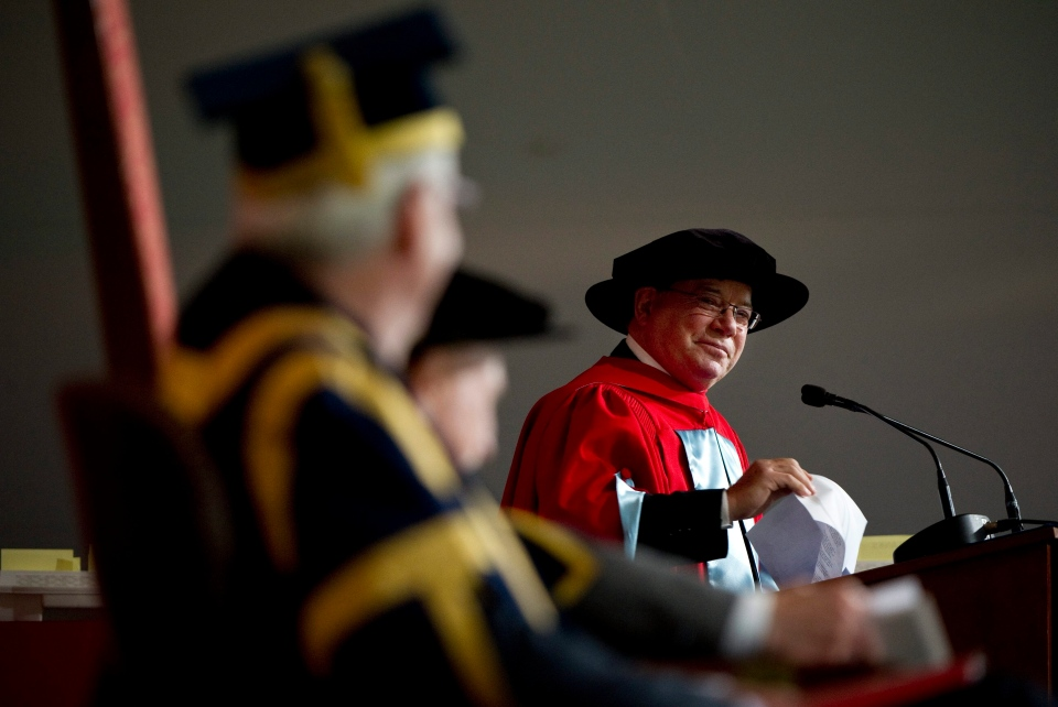 Actor William Shatner addresses the assembly receiving an honorary degree from McGill University, his alma mater, Thursday, June 2, 2011 in Montreal. (Paul Chiasson / THE CANADIAN PRESS)