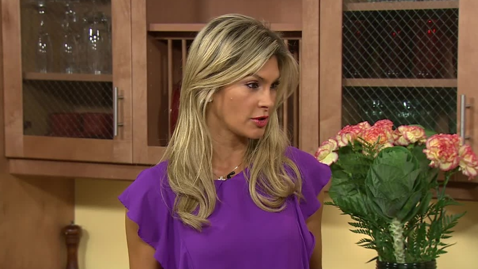 Author Christine Avanti shared recipes from her new book, 'Skinny Chicks Eat Real Food,' on CTV's Canada AM on Sept. 24, 2012.