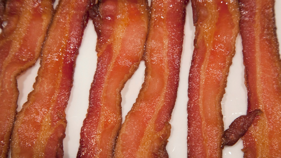 Bacon fried to a crisp is pictured on Wednesday, Sept. 26, 2012. (Jonathan Hayward/THE CANADIAN PRESS)