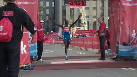 Kenyan runner Keneth Mungara was the fastest man at the Scotiabank Toronto Waterfront Marathon for the third year in a row after a recording-breaking run on Sunday, Sept. 26, 2010.