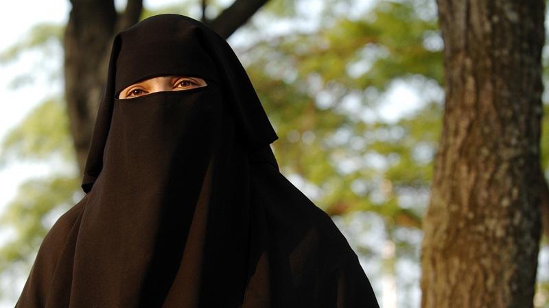 Zaynab Khadr is photographed in Toronto, Monday, June 4, 2007. (CP PHOTO/Aaron Harris) CANADA