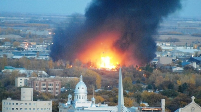 A MyNews contributor sends in this image of a fire in Winnipeg on Monday, Oct. 1, 2012. (Carl B. Jackson / MyNews.CTV.ca)