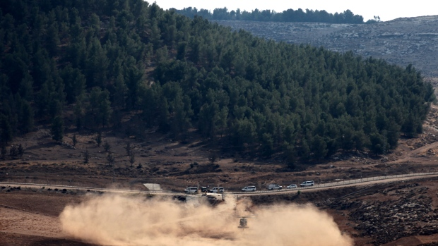 Israeli planes rattle south Lebanon