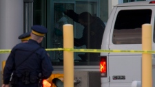 Canadian border agent shot